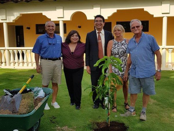 Plant a Tree Initiative kicks off at Bucuti & Tara