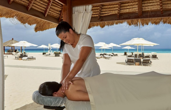 Massage beach cabana