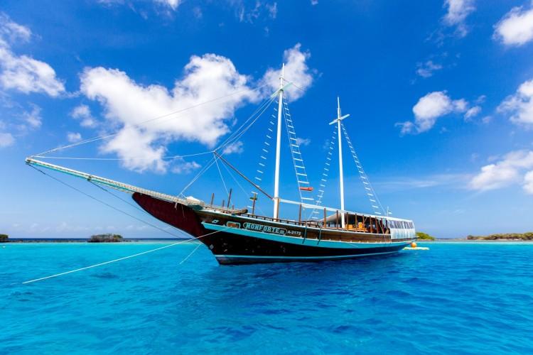 Monforte Yacht luxury sail and snorkel